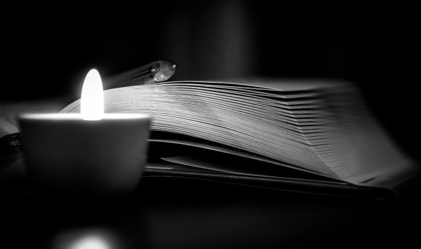 book-2845632_1920