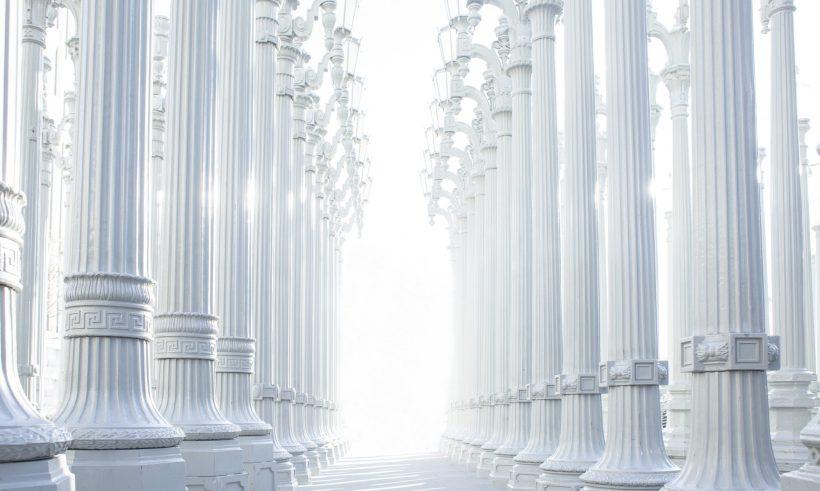 cropped-columns-801715.jpg